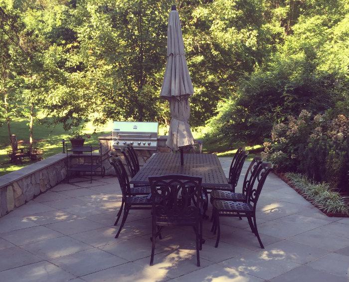 Braehead Manor patio